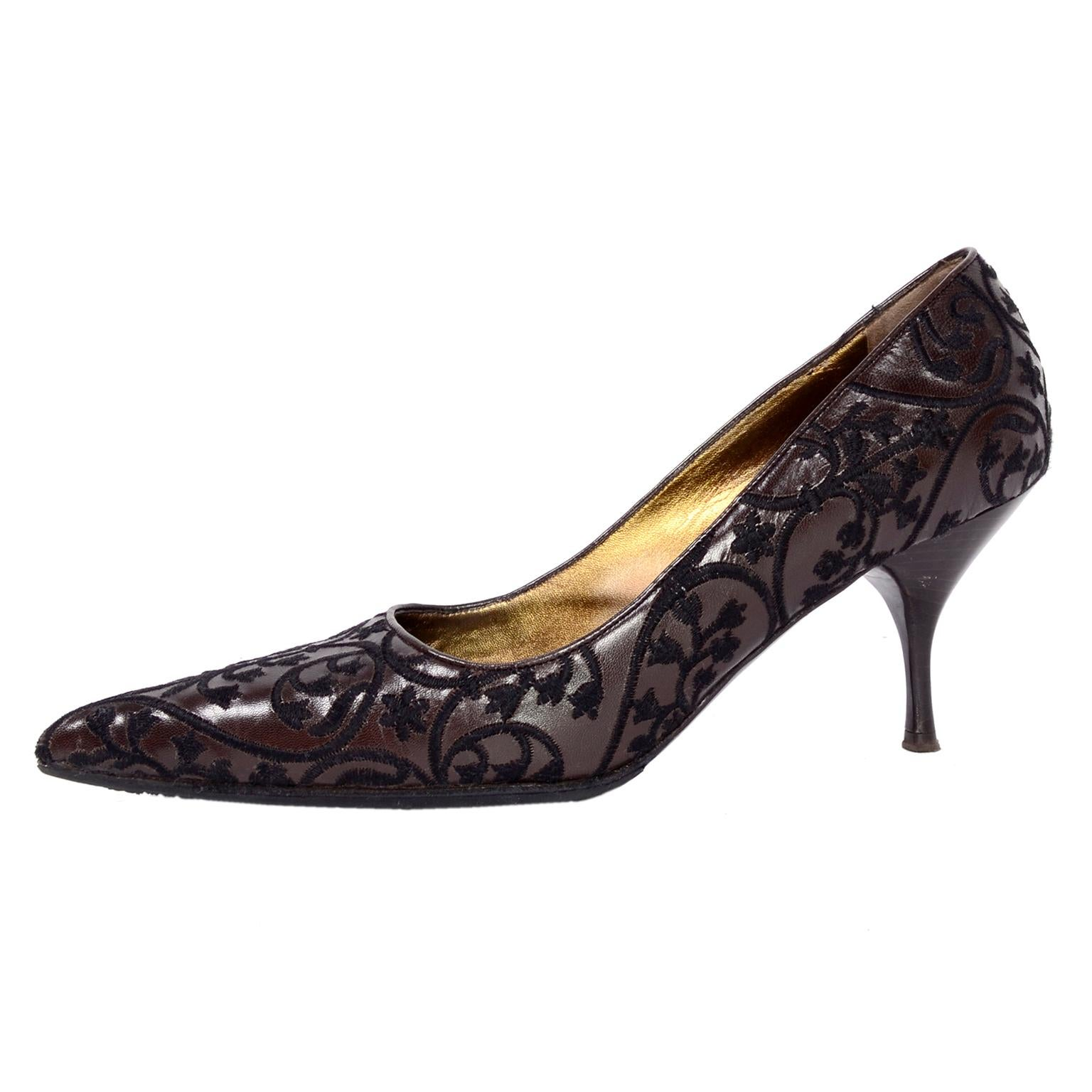 """Prada Embroidered Shoes in Dark Brown Leather Size 37.5 W 3"""" Heels"""
