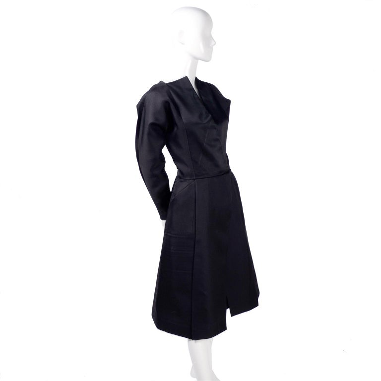 Vintage Black Geoffrey Beene Dress W/ Detailed Origami Folds & Styling In Excellent Condition For Sale In Portland, OR