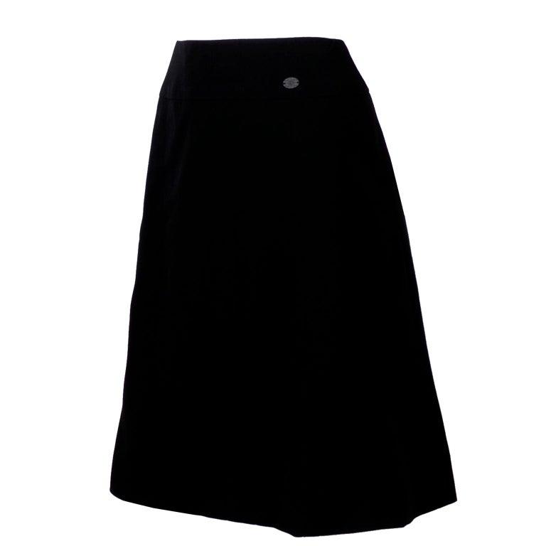 Chanel Black Wool Skirt With CC Logo Monogram Size 42