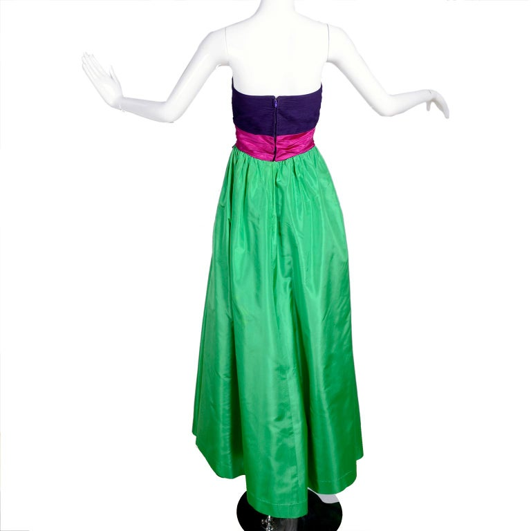 Women's Nina Ricci Color Block Green Taffeta and Purple Silk Evening Gown with Pink Bow For Sale