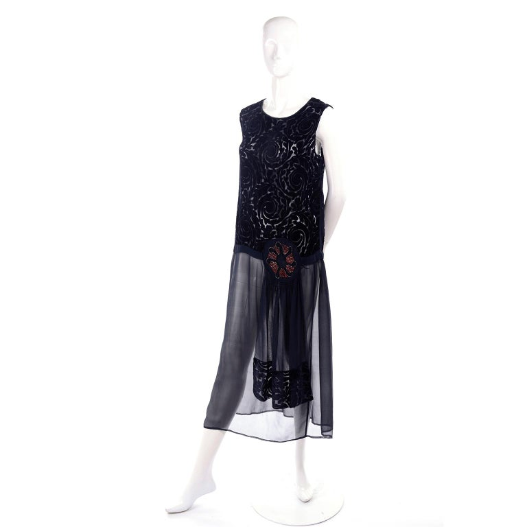 1920s Vintage Dress in Black Cut Velvet & Chiffon W/ Abstract Beaded Flower For Sale 1