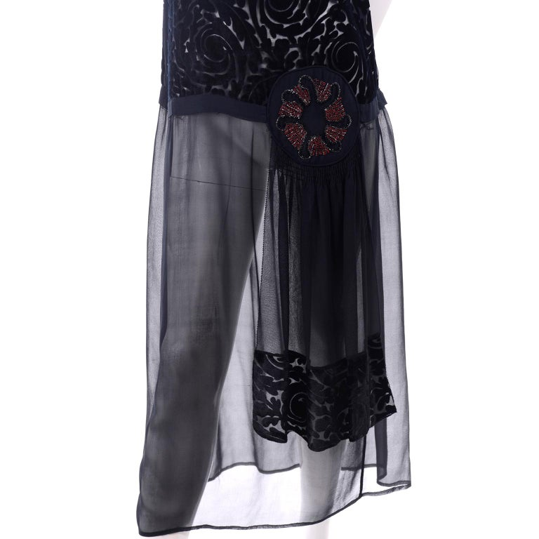 1920s Vintage Dress in Black Cut Velvet & Chiffon W/ Abstract Beaded Flower For Sale 3
