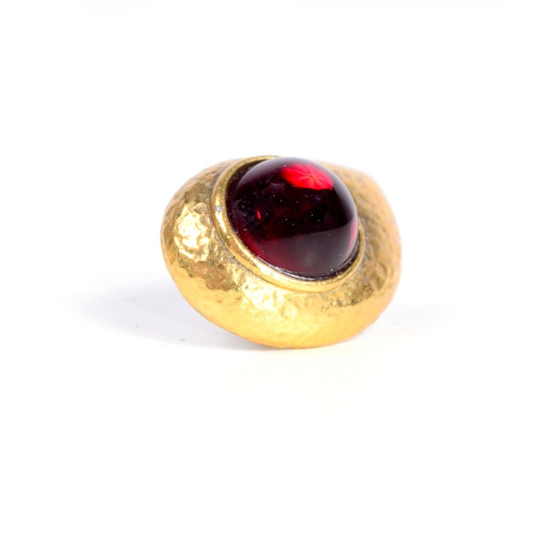 Yves Saint Laurent YSL Vintage Pierced Earrings With Red Cabochons in Gold Metal In Excellent Condition For Sale In Portland, OR
