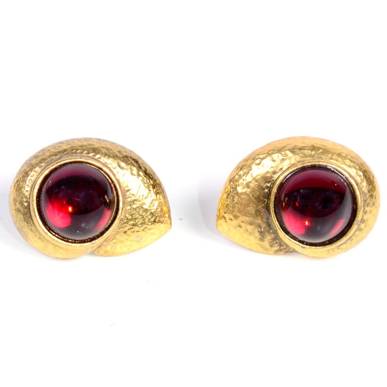 Yves Saint Laurent YSL Vintage Pierced Earrings With Red Cabochons in Gold Metal For Sale 1