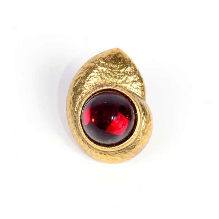 Yves Saint Laurent YSL Vintage Pierced Earrings With Red Cabochons in Gold Metal For Sale 6
