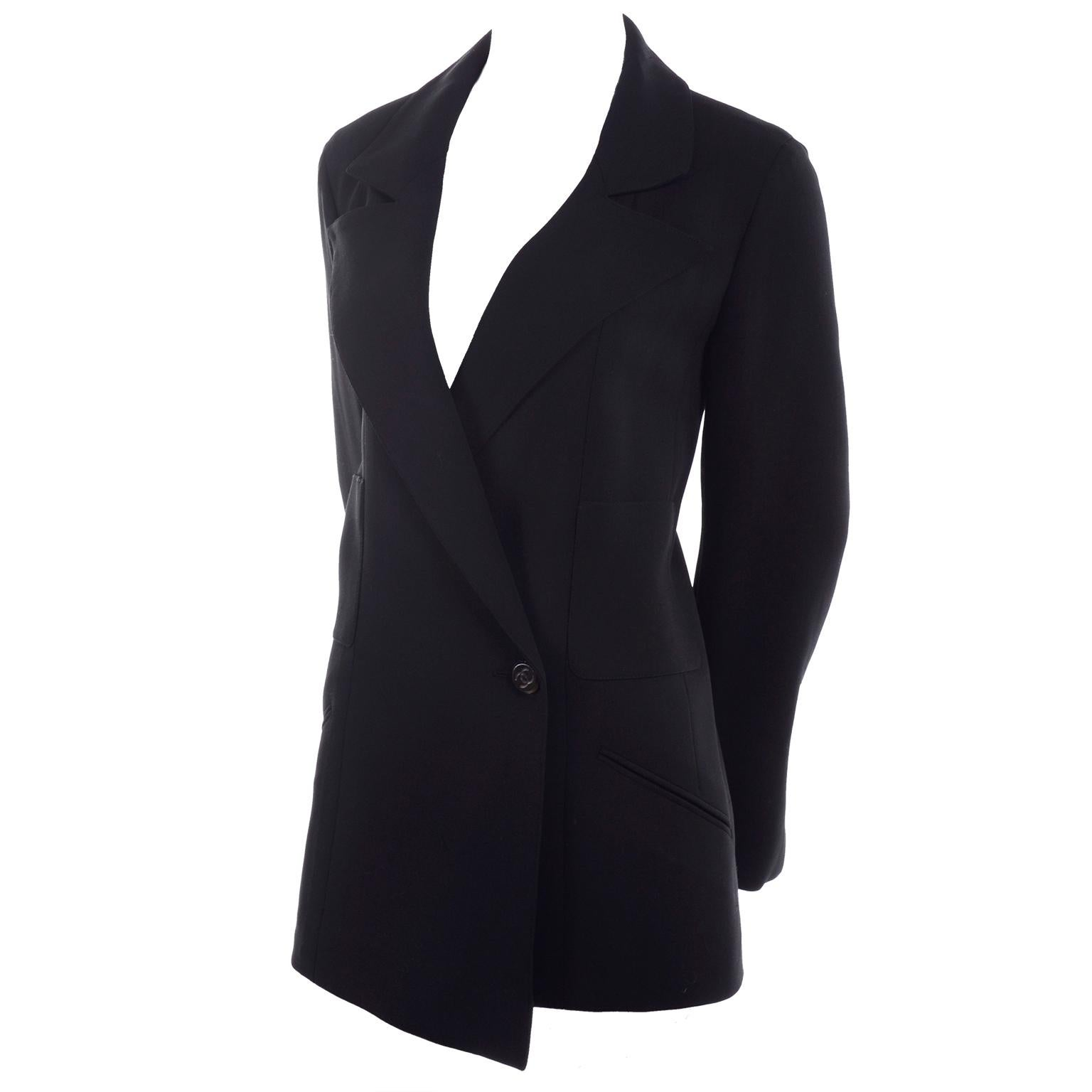 1998 Chanel Blazer in Black Wool With Asymmetrical Hemline Size 40