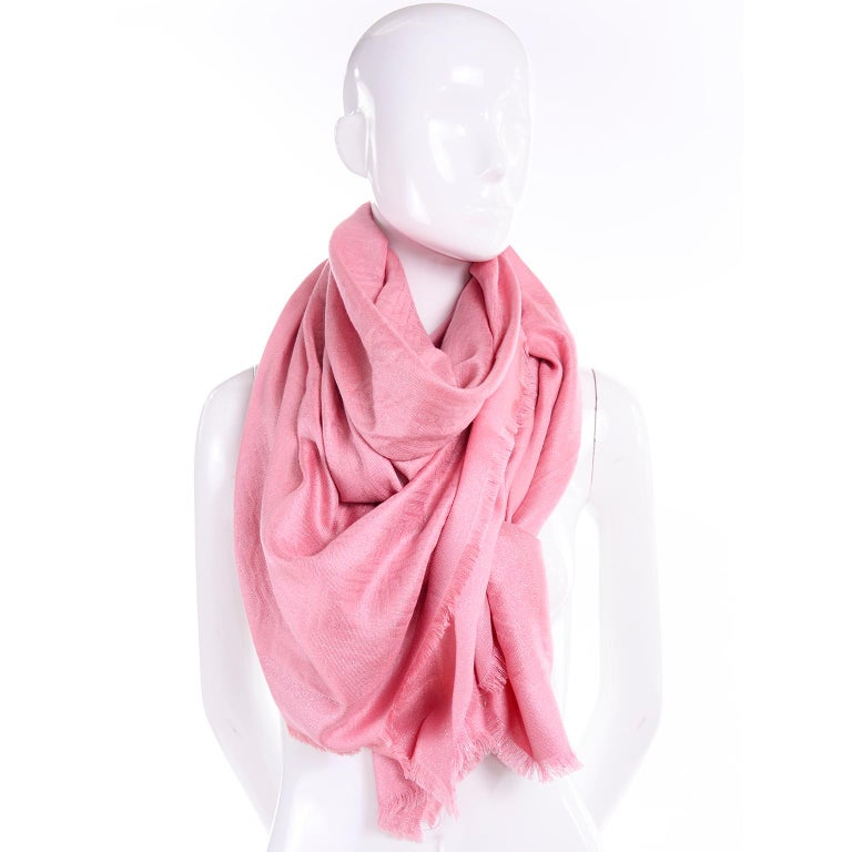 Fendi Pink Silk Glitter Jacquard Logo Scarf or Wrap With Fringe  In New Condition For Sale In Portland, OR