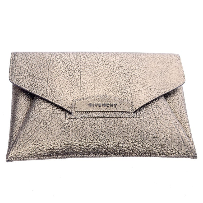 Givenchy Envelope Clutch Medium Antigona Goat Leather Handbag in Bronze Metallic For Sale