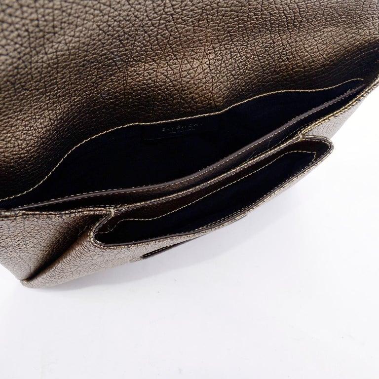 Women's Givenchy Envelope Clutch Medium Antigona Goat Leather Handbag in Bronze Metallic For Sale