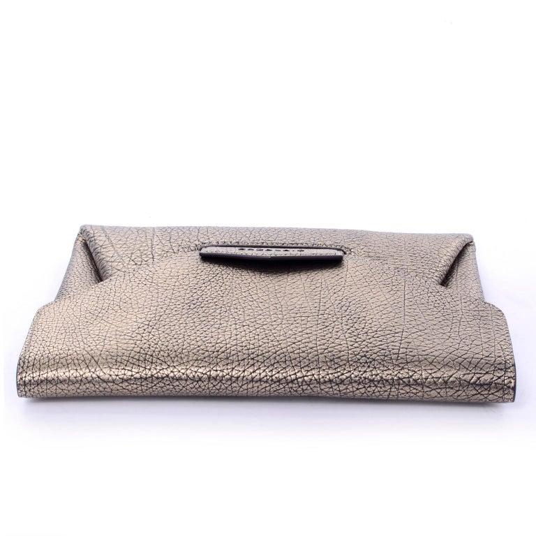 61f178e1e1 Givenchy Envelope Clutch Medium Antigona Goat Leather Handbag in Bronze  Metallic For Sale 5