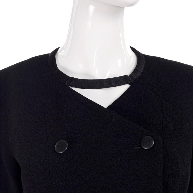 Women's Chanel Jacket and Skirt Suit in Black Wool With Silk Lining Cruise Resort 1998 For Sale