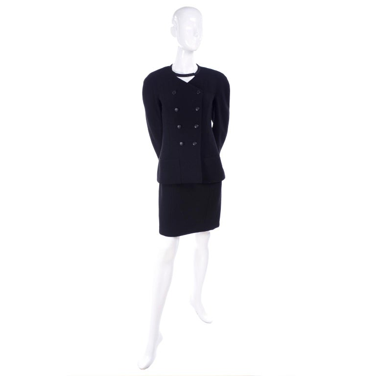 Chanel Jacket and Skirt Suit in Black Wool With Silk Lining Cruise Resort 1998 For Sale 3
