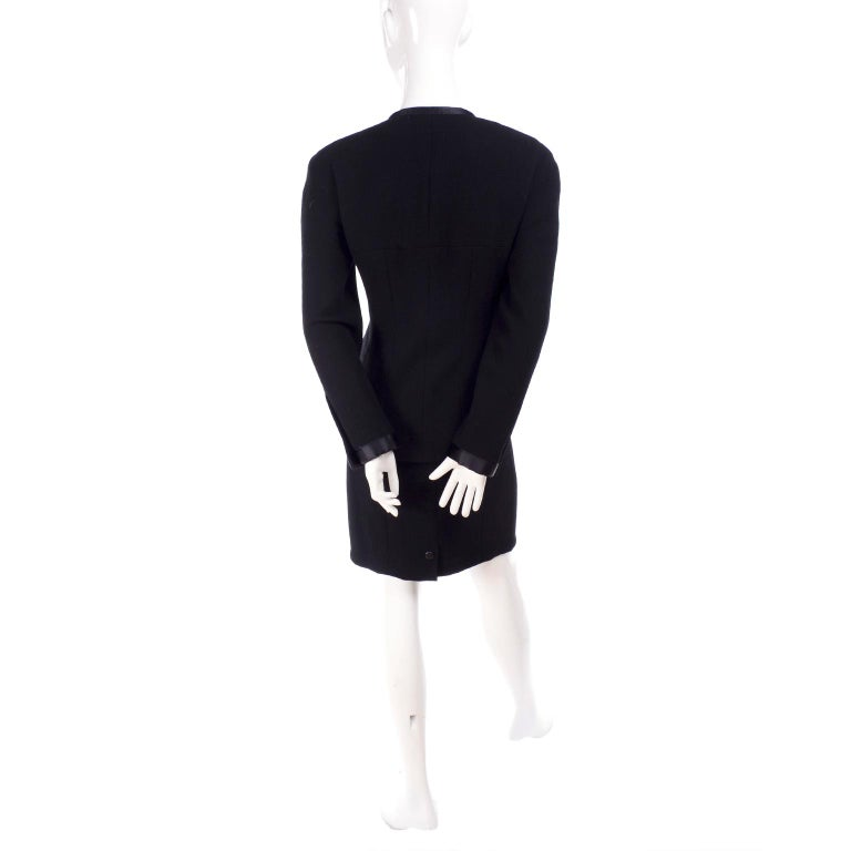 Chanel Jacket and Skirt Suit in Black Wool With Silk Lining Cruise Resort 1998 For Sale 5