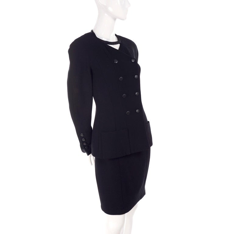 Chanel Jacket and Skirt Suit in Black Wool With Silk Lining Cruise Resort 1998 For Sale 11