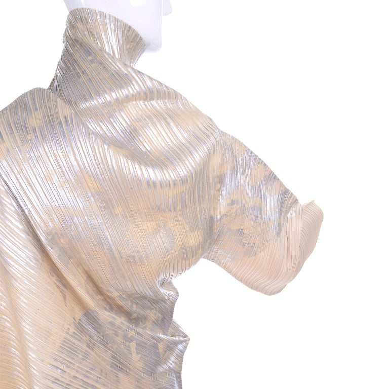 Issey Miyake A/H 1994 Asymmetrical Pleated Dress Cream & Silver Metallic w/ Tags For Sale 6