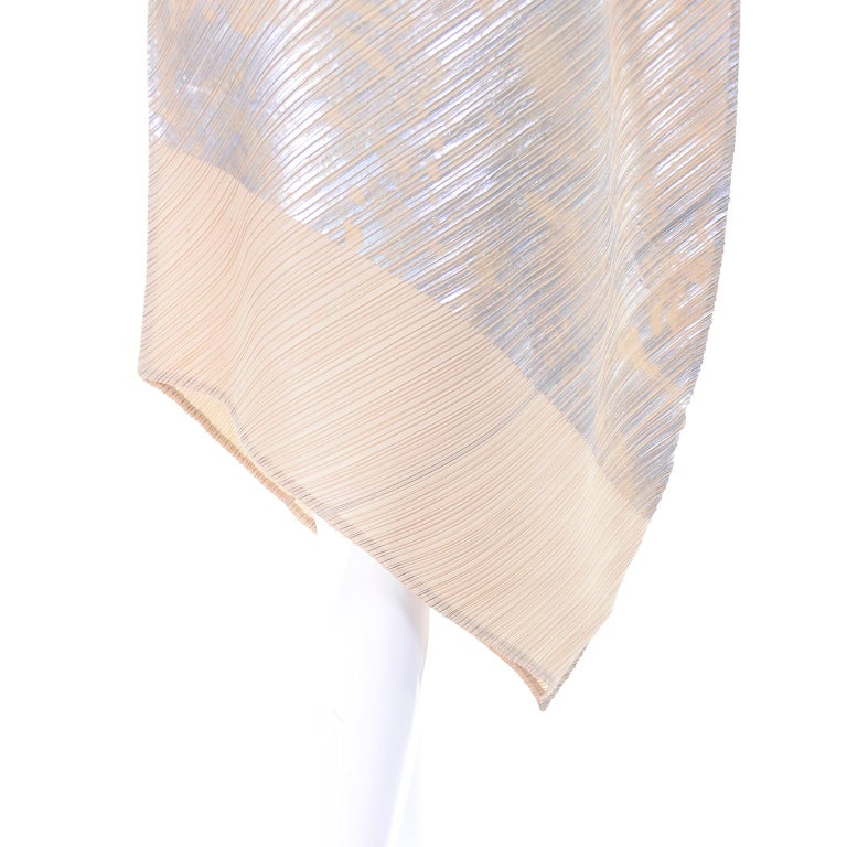 Issey Miyake A/H 1994 Asymmetrical Pleated Dress Cream & Silver Metallic w/ Tags For Sale 2