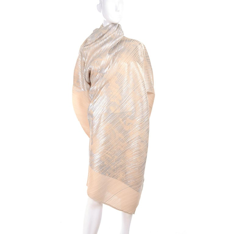 Issey Miyake A/H 1994 Asymmetrical Pleated Dress Cream & Silver Metallic w/ Tags For Sale 3