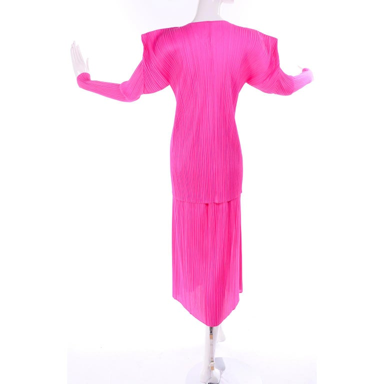 Vintage Hot Pink Issey Miyake Avant Garde Pleated Skirt and Cardigan Top For Sale 2