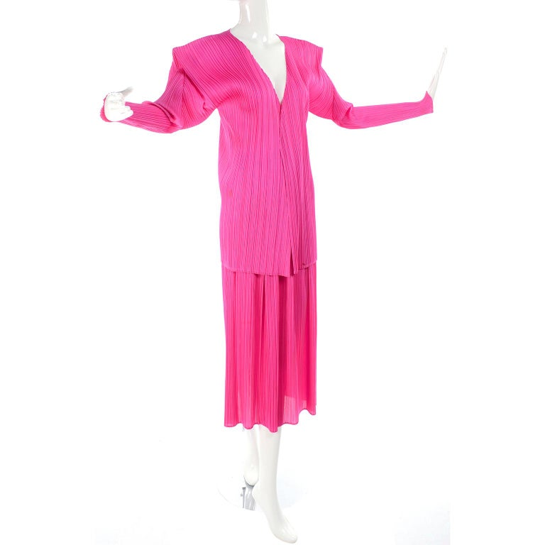 Women's Vintage Hot Pink Issey Miyake Avant Garde Pleated Skirt and Cardigan Top For Sale