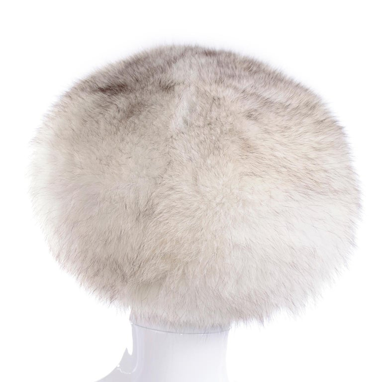 Rare James McQuay Furrier Vintage Fox Fur Hat Made in New York In Excellent Condition For Sale In Portland, OR
