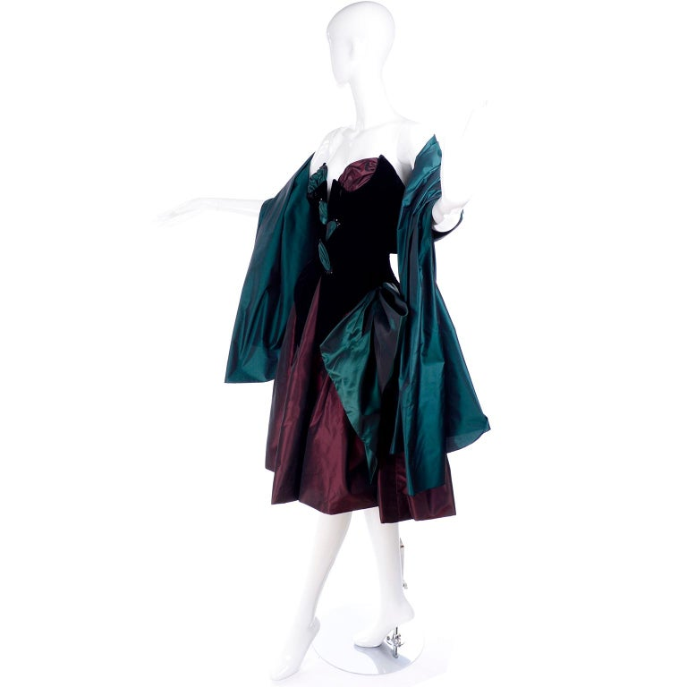 Bob Mackie Green & Wine Velvet & Taffeta Vintage Plunging Corset Dress & Wrap For Sale 2