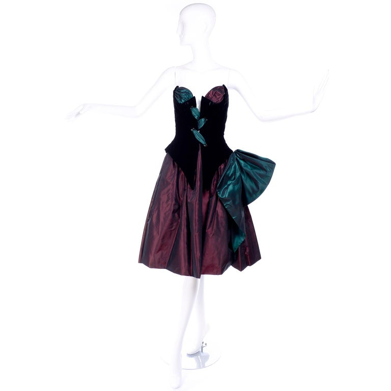 Bob Mackie Green & Wine Velvet & Taffeta Vintage Plunging Corset Dress & Wrap For Sale 11
