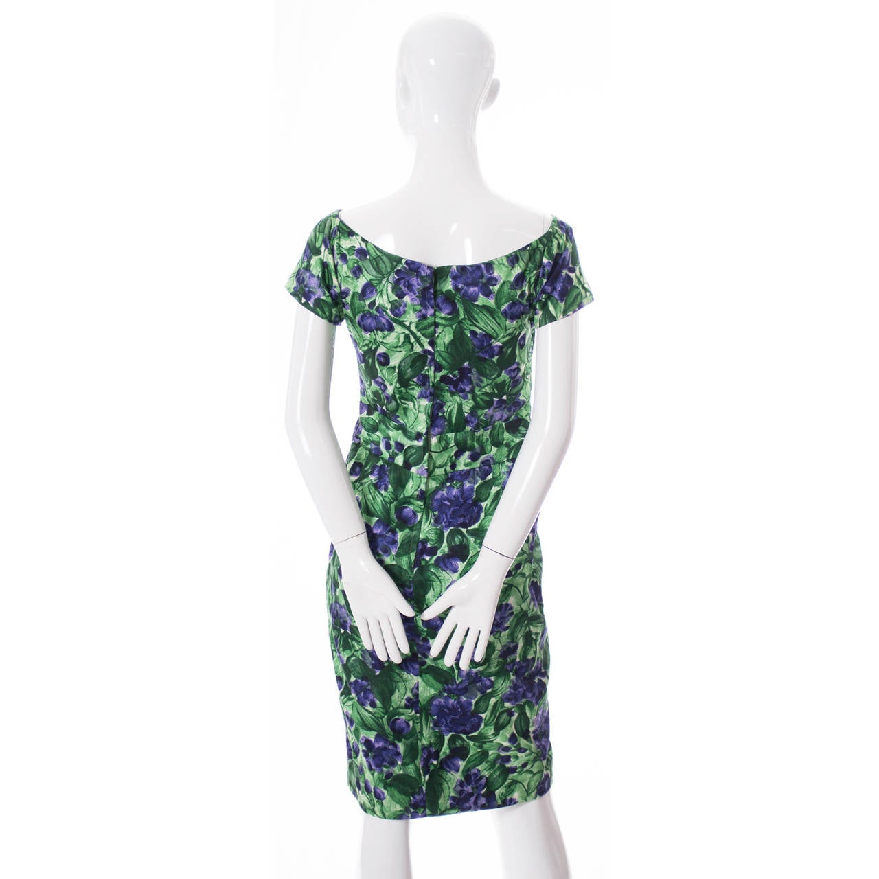 Vintage Ceil Chapman 1950s Dress in Purple Green Floral Silk Print In Excellent Condition For Sale In Portland, OR