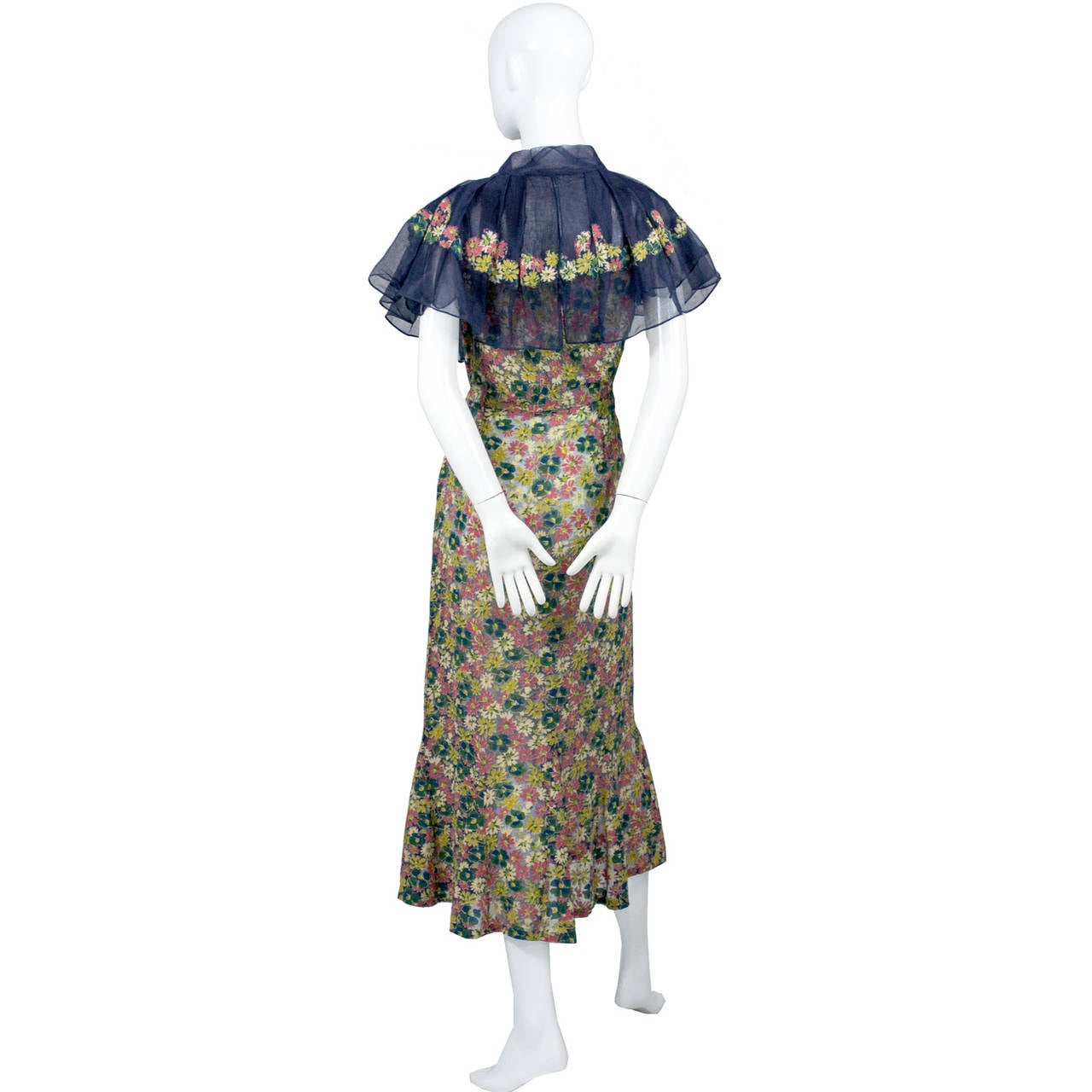 This beautiful Adaptation Chanel Paris 1930's vintage fine silk dress is a rare find! This dress wasn't created by Chanel but was an adaptation of her work.  Chanel gave out only a limited number of these licenses and was particular about to whom