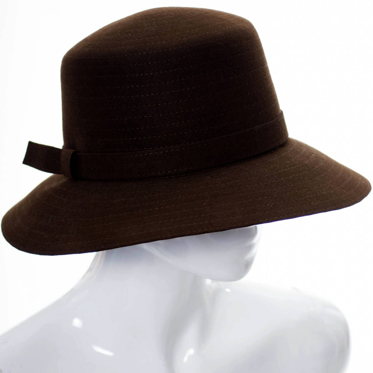 Givenchy Nouvelle Boutique Vintage 1970s Brown Fur Felt Hat As New  In Excellent Condition For Sale In Portland, OR
