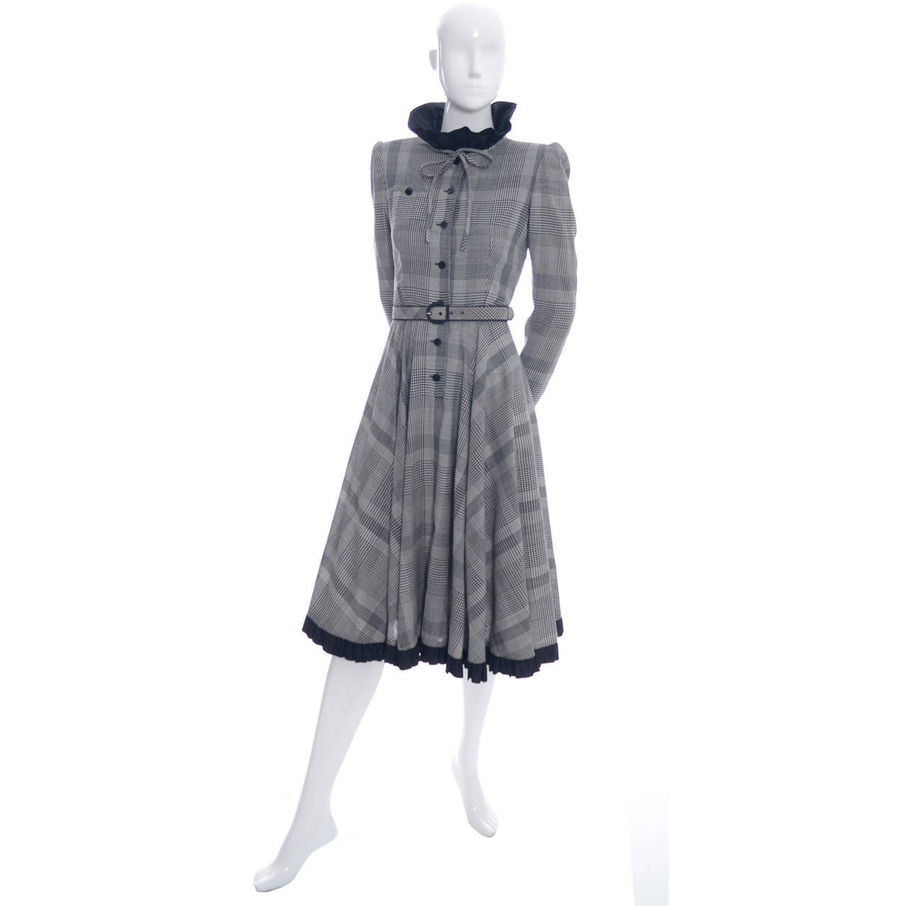 Vintage Dress Boutique 59