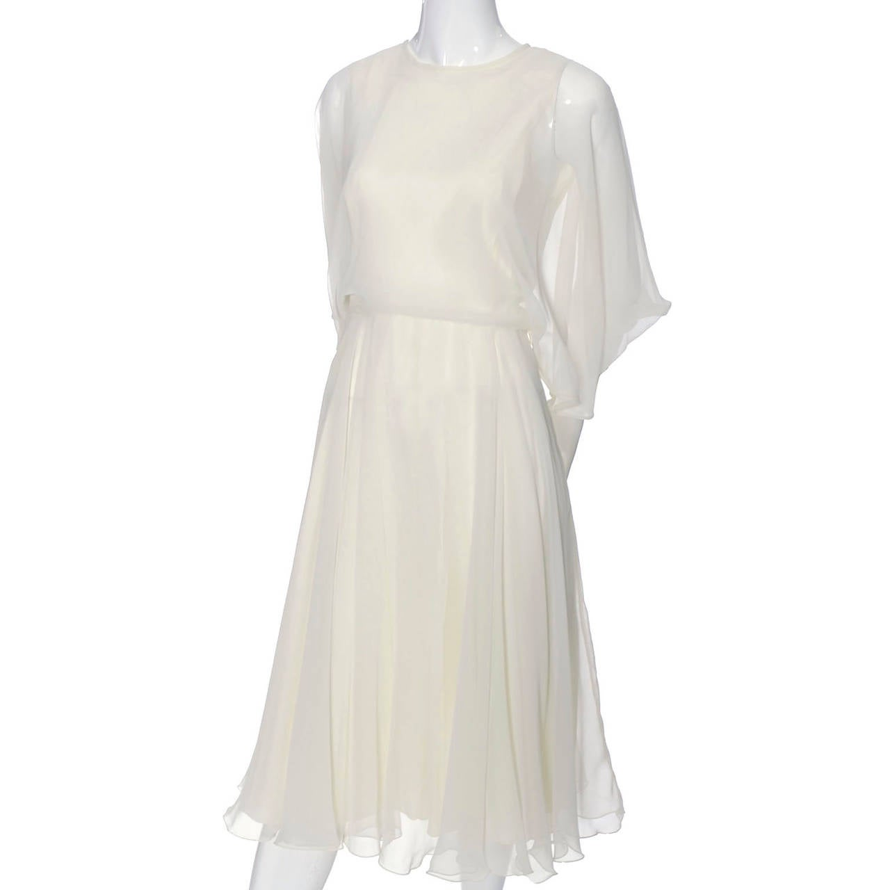 1970s Vintage Jean Varon John Bates Chiffon Designer Dress Batwing Sleeves For Sale 4