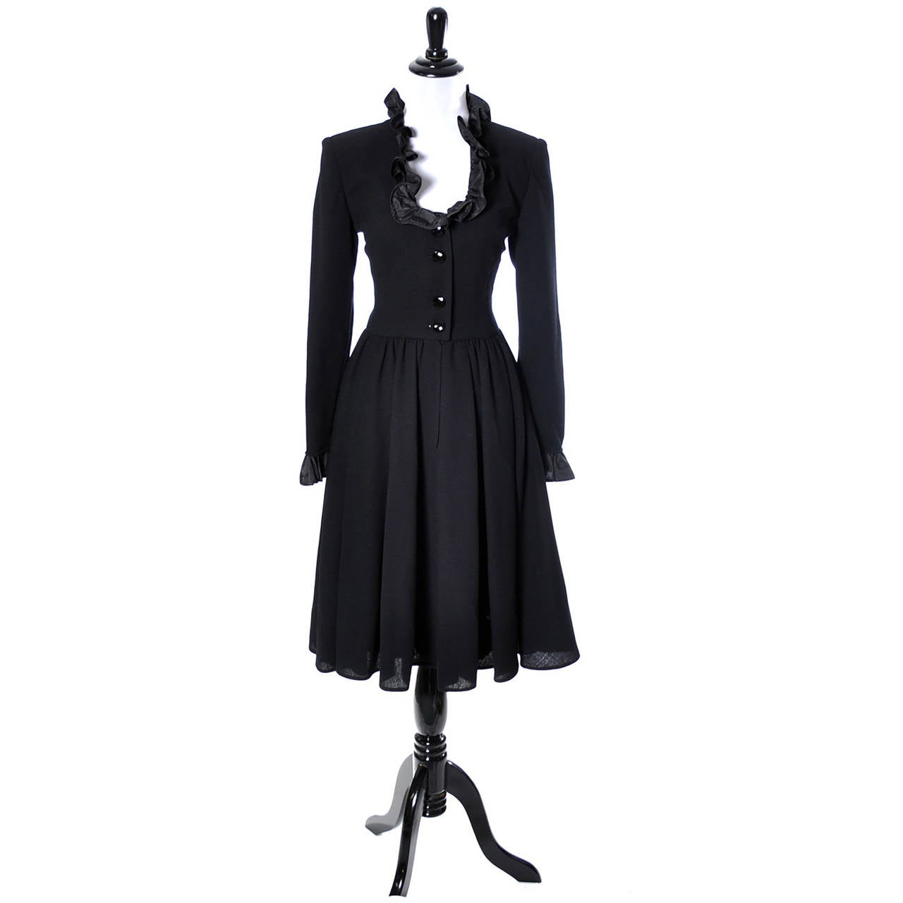 Vintage Valentino Black Wool Crepe Dress w/ Ruffled Taffeta Trim Size 6 In Excellent Condition For Sale In Portland, OR