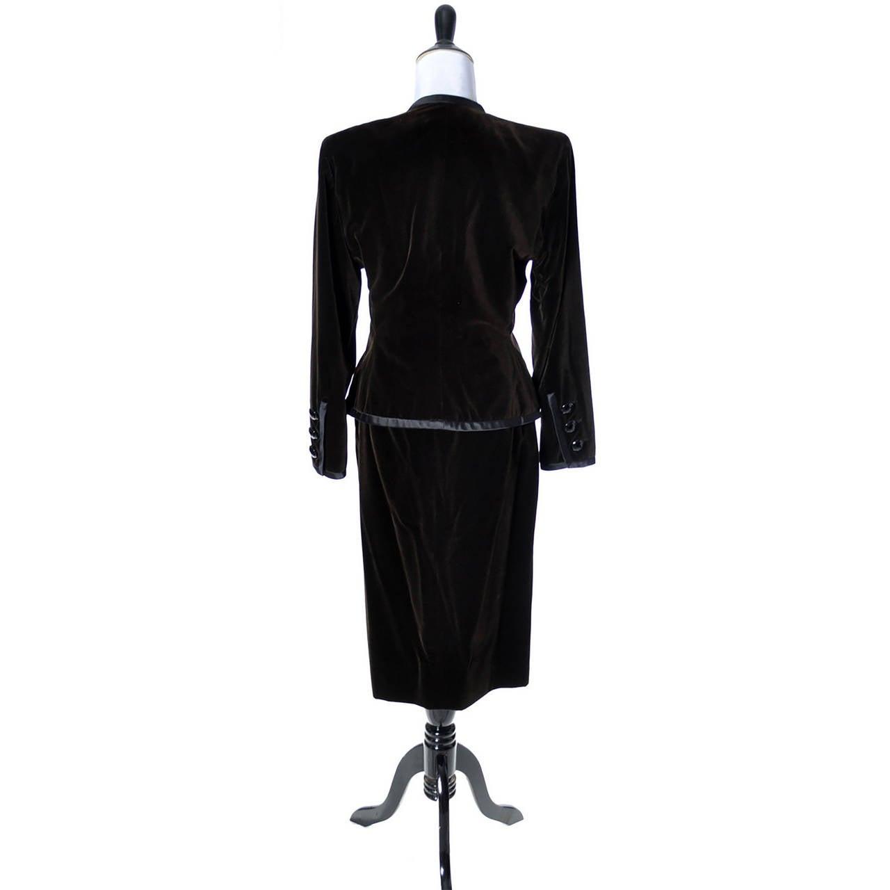 Velvet Skirt Suit 39