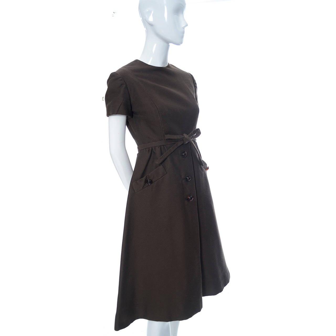 Women's Chocolate Brown Geoffrey Beene 1960s Mod Vintage Dress Pockets Belt For Sale