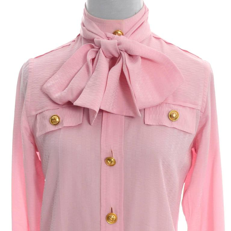 Rare 70s Valentino Pink Silk Bow Blouse V Logo Buttons Older Label Early 1970s 6