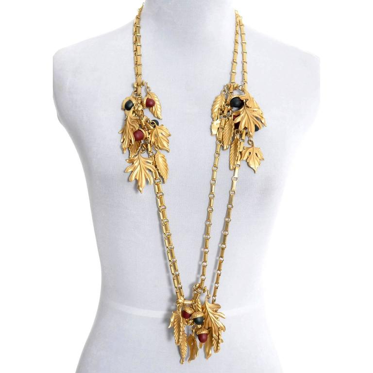 DKNY New York Long Vintage Acorn Leaf Leaves Necklace In As New Condition For Sale In Portland, OR
