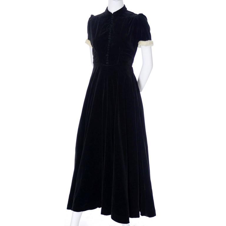 Numbered 1940s John Lewis Vintage Dress Long Black Velvet Evening Gown Fur Trim 5