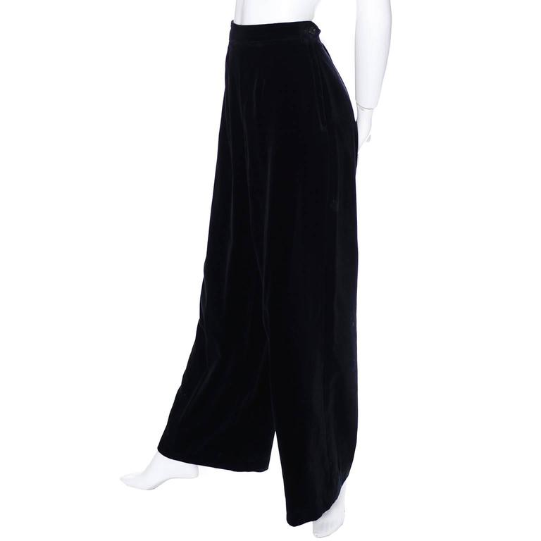 Wide leg pants can range from tailored, modern classics suitable for career wardrobes to wild prints for BoHo trend setters and yoga wear. Beach pants styles for cruise and resort wear, and soft chiffon evening styles are also popular.