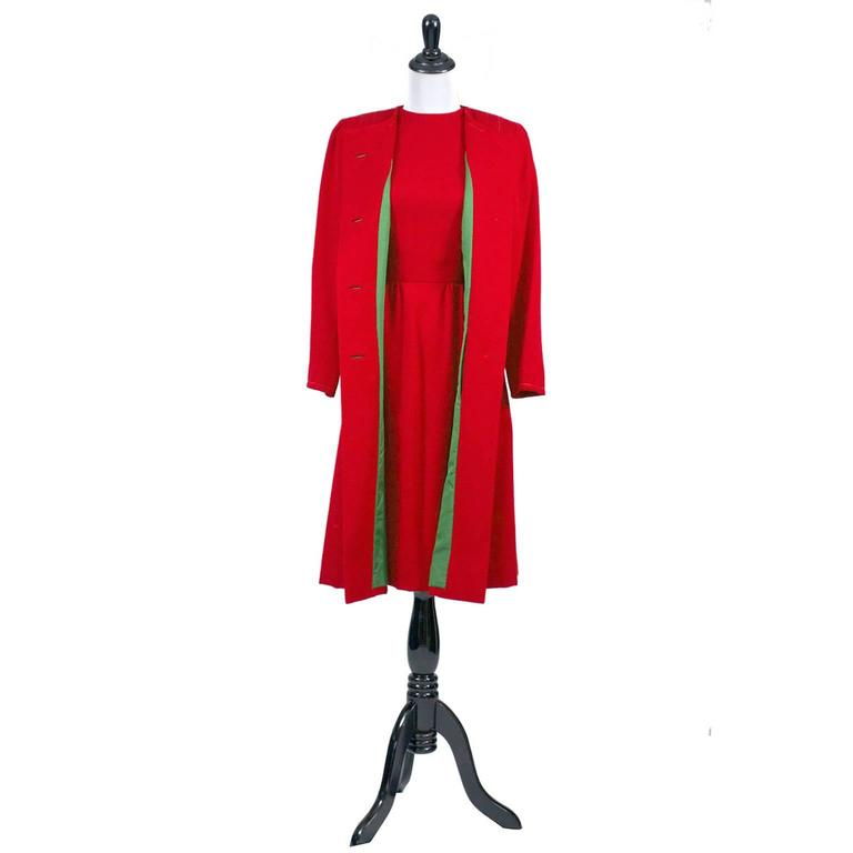 Women's 1950s Vintage Sheath Dress And Coat Suit Red Green Christmas Holiday Ensemble For Sale