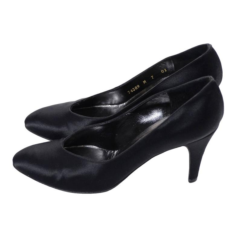 Yves Saint Laurent YSL Vintage Black Satin Shoes Heels 7M 3