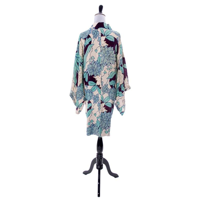 Gray Silk Vintage Kimono Robe Hostess Gown Floral 1920s 1930s Flowers For Sale