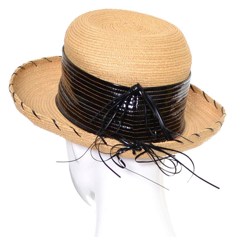 This adorable vintage straw hat from Schiaparelli was made in the 1960's and is in excellent condition.  The hat has a 20