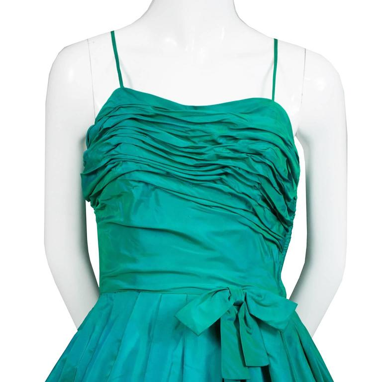 Sensational 1950s Vintage Dress Iridescent Green Pleating Bow 2/4 3