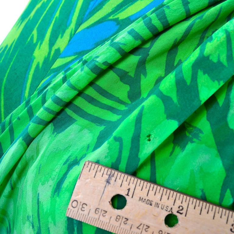 1970s Vintage Silk Jersey Blue & Green Print Jumpsuit w/ Matching Sarong For Sale 4