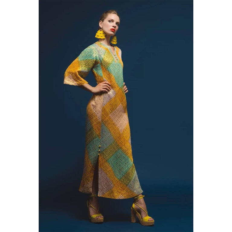 1960s Dynasty Vintage Caftan Dress in Metallic Gold Orange Blue & Pink  For Sale 3