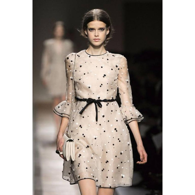 This Is An Absolutely Gorgeous Valentino Dress In A Cream Silk And Cotton Blend Organza