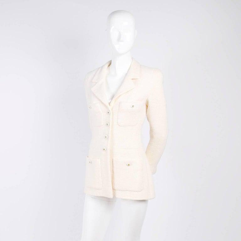 Women's Chanel Blazer Jacket in Creamy Ivory Tweed Wool w/ CC Logo Buttons & Silk Lining For Sale