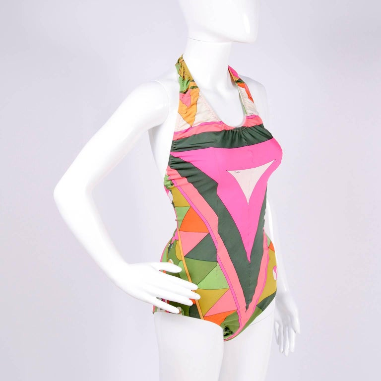 Vintage Pucci Swimsuit Signature Print Size Medium In Excellent Condition For Sale In Portland, OR