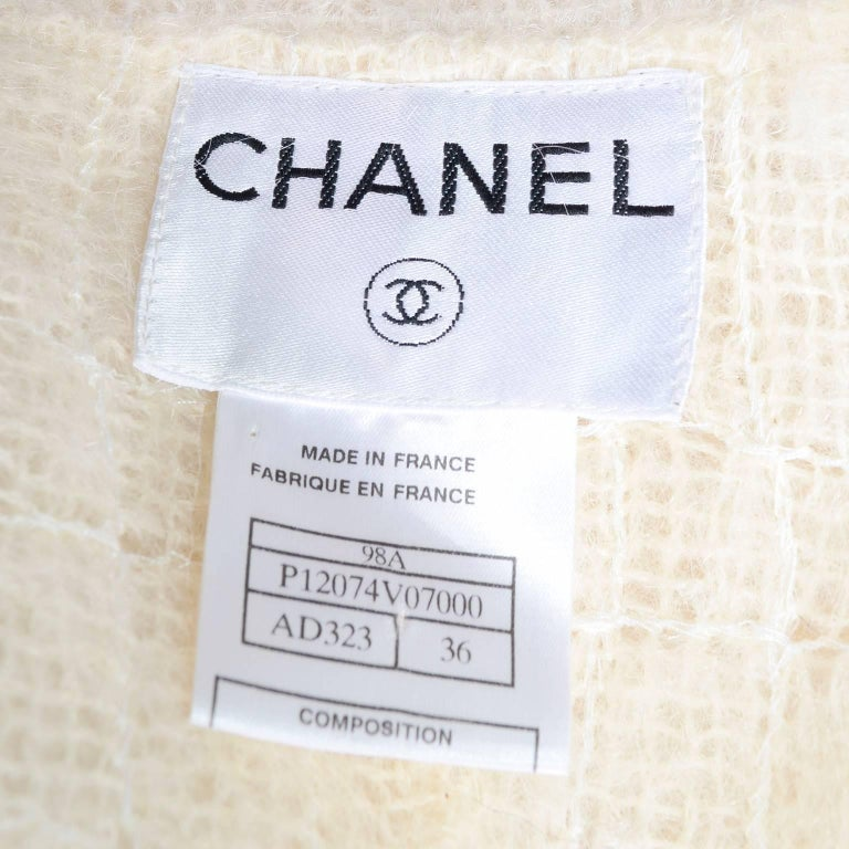 Chanel Coat in Cream Mohair Wool, Autumn / Winter 1998 For Sale 7