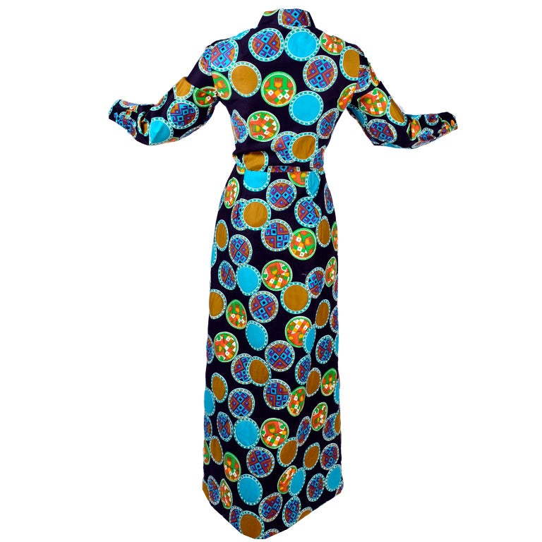 Women's or Men's Dynasty for I Magnin Vintage 1970s Dress in Cotton Print  With Turquoise Lining For Sale